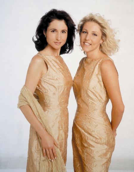 Geschwister Hofmann Anita and Alexandra Hofmann 100.000 Volt
